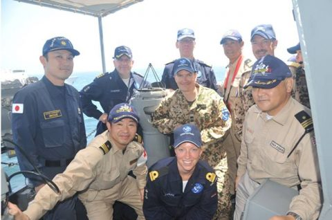 海上自衛隊 海賊対処行動水上部隊(25次隊)14すずつき 蘭海軍No10