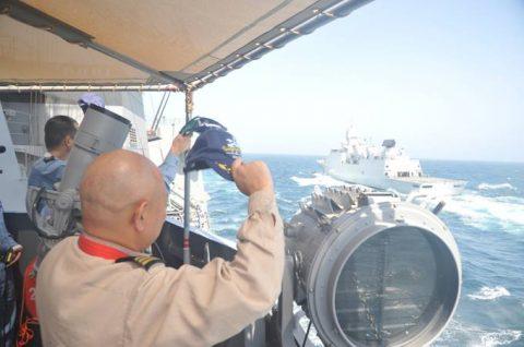 海上自衛隊 海賊対処行動水上部隊(25次隊)14すずつき 蘭海軍No11