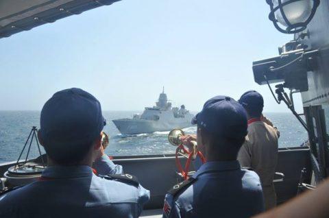 海上自衛隊 海賊対処行動水上部隊(25次隊)14すずつき 蘭海軍No12
