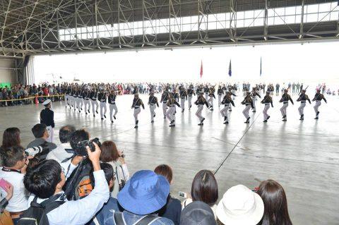 小月航空基地祭2016 青木教官のT-5 航空学生のドリルNo4