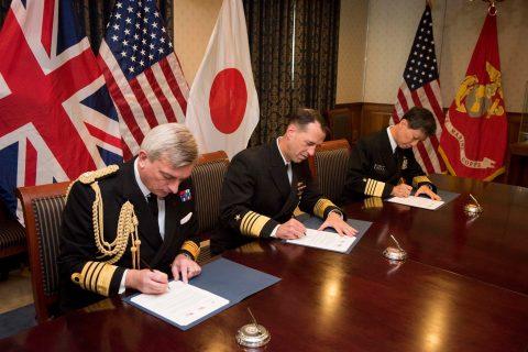 日米英3か国海軍種参謀長級会談(共同メッセージ)海上幕僚長武居智久海NO2