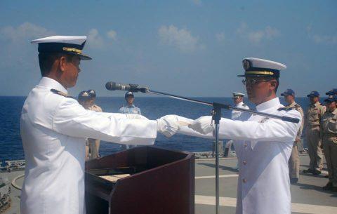 海上自衛隊 海賊対処水上部隊(25次隊)19永年勤続者表彰式No02