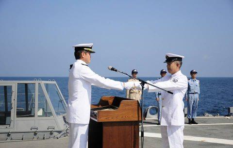 海上自衛隊 海賊対処水上部隊(25次隊)19永年勤続者表彰式No05