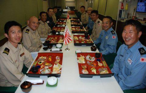 海上自衛隊 海賊対処水上部隊(25次隊)19永年勤続者表彰式No09