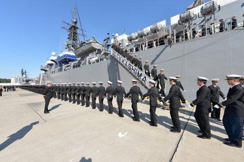 平成28年 海上自衛隊幹部候補生 遠洋練習航海2016部隊 帰国No03
