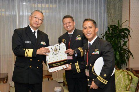 フィリピン海軍操縦士に対するtc-90型航空機の操縦教育No3