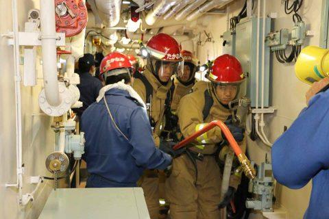 ニュージーランド海軍主催国際観艦式 護衛艦たかなみ 訓練風景