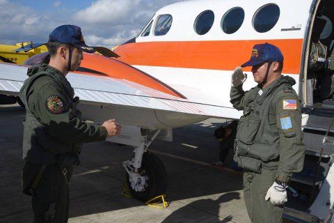 フィリピン海軍操縦士の飛行訓練 at 海上自衛隊 徳島教育航空群