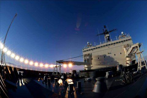 第58次南極地域観測協力(砕氷艦しらせ)の様子 南氷洋に到着