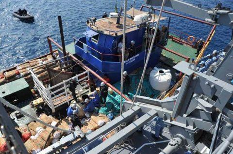 派遣海賊対処行動水上部隊(26次隊)燃料不足船舶からの支援要請