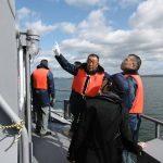 八戸 防衛・基地モニターの方々に対し、海上自衛隊大湊基地の研修