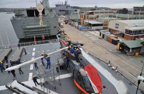 第58次南極地域観測協力しらせオーストラリア寄港時 観測隊員退艦見送り