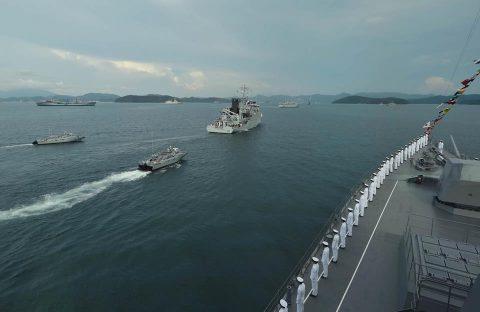 護衛艦てるづき マレーシア海軍主催国際観艦式・多国間海上演習に参加