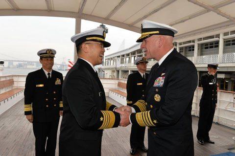米太平洋艦隊司令官 来訪 海上幕僚長主催 懇談会の様子