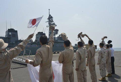 海上自衛隊 派遣海賊対処行動部隊の様子 きりさめ&てるづき