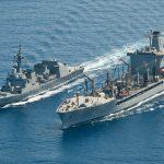 海上自衛隊 派遣海賊対処行動部隊のてるづき様子6洋上給油 米海軍補給艦