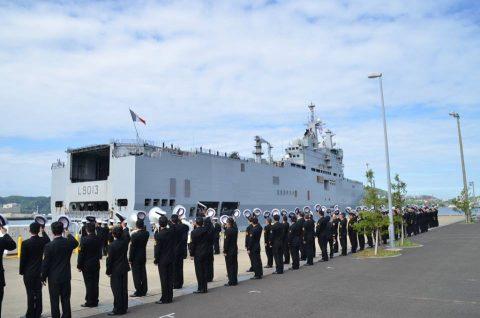 フランス海軍強襲揚陸艦ミストラル 佐世保基地に寄港 一般公開